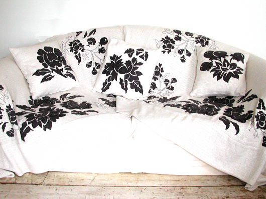 Karen Nicol- Interiors | © karen nicol 2007 :  karen nicol interior pillows blanket